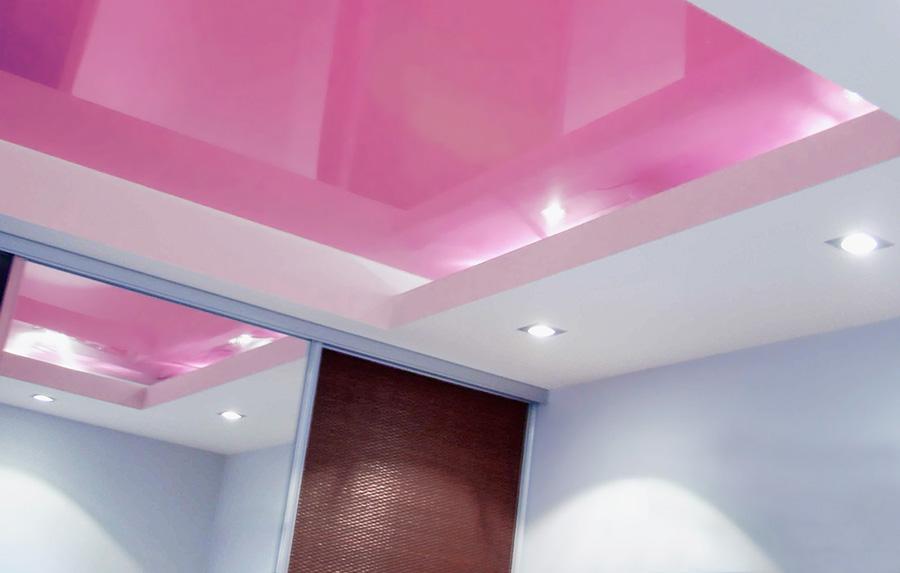 выбор натяжного потолка для ванной